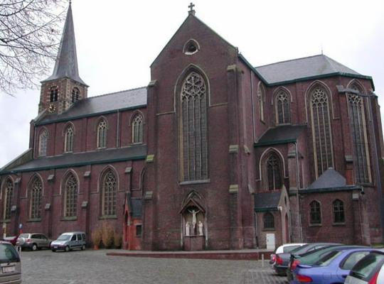 Onze-Lieve-Vrouw en Sint-Stefanuskerk in Dentergem