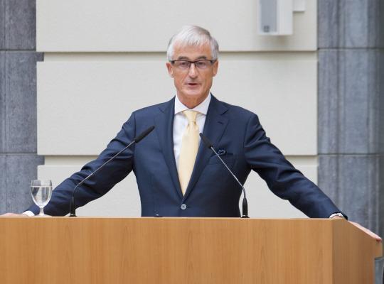 """Geert Bourgeois: """"Vlaamse Regering wil geen nieuwe schulden maken, wél investeren"""""""